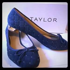 Ann Taylor short heel size 7.5